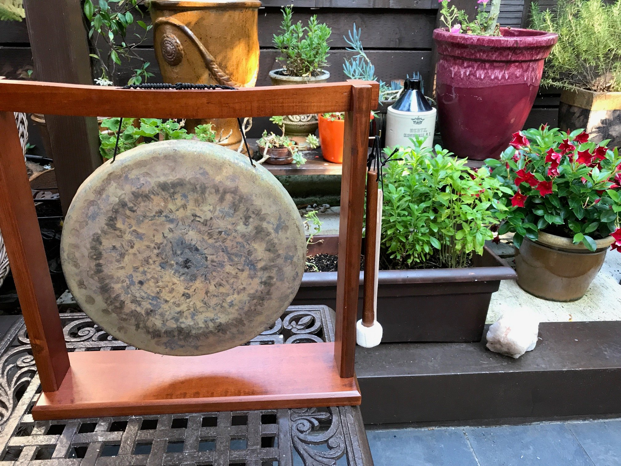 music for healing - gongs and unlimited gongs and unlimited singing bowls